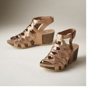 NWT Dansko Selina nappa sandals in rose gold 37
